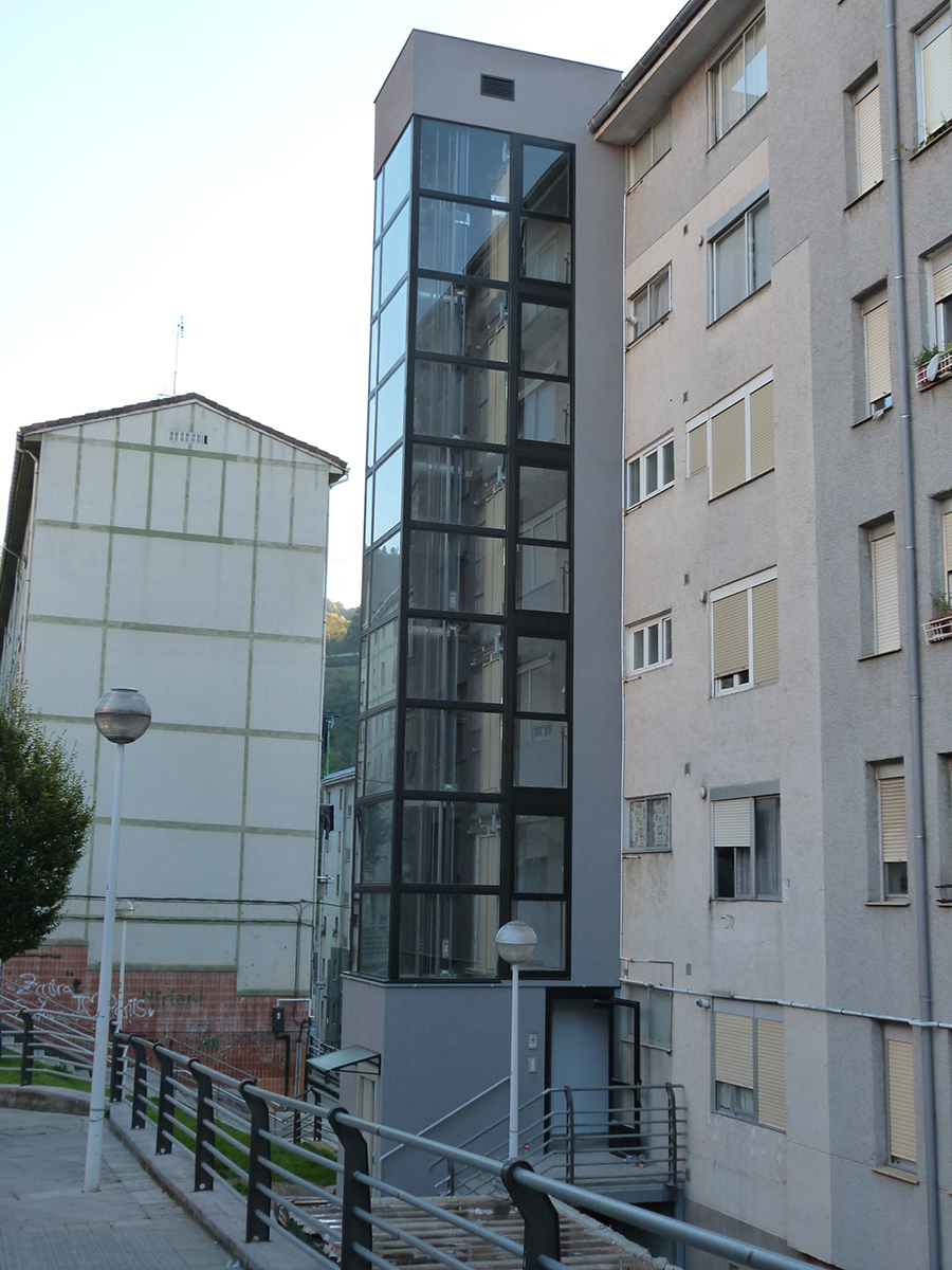 Fachadas ventiladas aquarock y Aquapanel Otxarkoaga